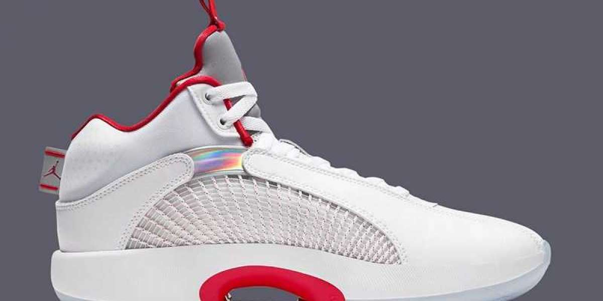 """This pair of Air Jordan 35 """"Fire Red"""" CQ4227-100 is so simple and beautiful"""