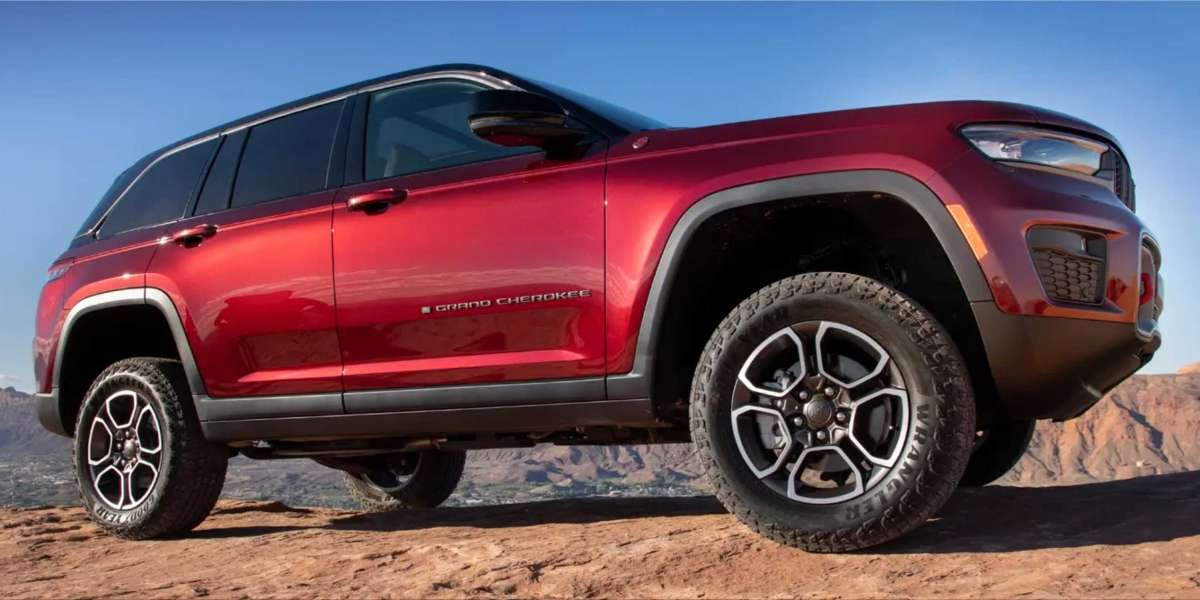 The Jeep Grand Cherokee 2022 is the ultimate off-road vehicle